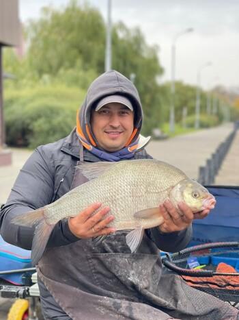 Фото с рыбалки на фидер в Братеевском каскадном парке