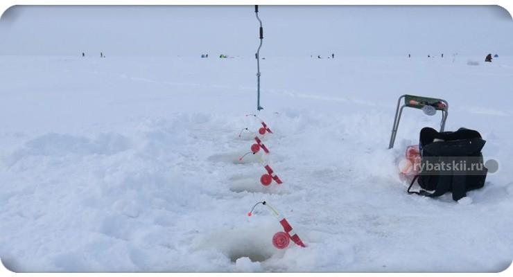 Как делать зимние снасти на карася с поплавком или кивком