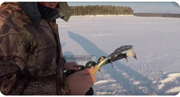 Отбивание льда со шнека